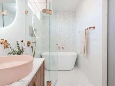 Back to wall bathtub